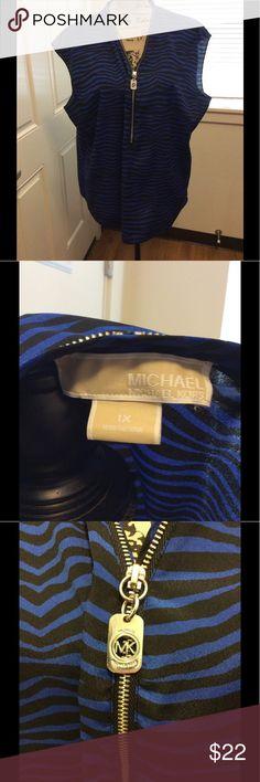 MICHAEL MICHAEL KORS TOP Fun and cute Michael Michael Kors top! MICHAEL Michael Kors Tops