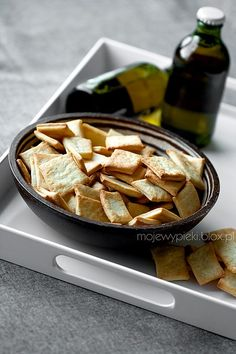 Serowe krakersy Cheese Straws, Cheese Crisps, Cooking Tips, Cooking Recipes, Romanian Food, Snack Recipes, Snacks, Party Treats, International Recipes