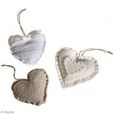 Kit de fieltro para coser - Corazones - 3 pcs - Fotografía n°2 Home Deco, Place Cards, Place Card Holders, Kit, Felt Hearts, Sew, Pendants, Objects, Creativity