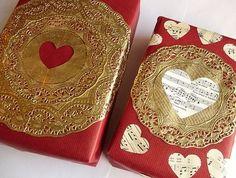 Envoltorio de #regalo con corazones. ¡Muy romántico! #giftwrap #giftwrapping #envolverregalo