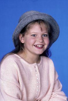 Full House Season 1, Candance Cameron Bure, Dj Tanner, Fuller House, Three Kids, Tv Shows, Ashley Olsen, Nostalgia, Queen