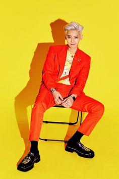 Chanyeol EXO what a life Baekhyun Chanyeol, Chanbaek, Chansoo, Got7, Luhan And Kris, Exo Album, Exo Official, Exo Lockscreen, Xiuchen