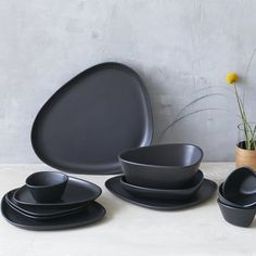 """LIND DNA on Instagram: """"The organicshapes of our Curve Stoneware Collection allows you to play with your table setting and presentation of your menu. Mix and…"""" Organic Shapes, Dna, Stoneware, Table Settings, Presentation, Plates, Dining, Tableware, Collection"""