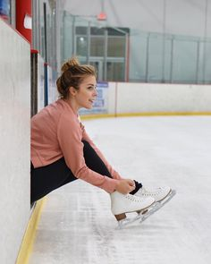 Olympian Ashley Wagner shares the life-changing event that shifted her perspective on wellness and self-care. Quotes About Photography, Fitness Photography, Winter Photography, Photography Poses, Travel Photography, Backyard Ice Rink, Ashley Wagner, Ice Skaters, Photo Instagram