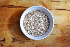 ¿Habéis oído hablar alguna vez de la quinoa? Seguro que sí, y es que este pseudocereal está de moda desde hace ya unos años, y en los últimos meses el interés por sus propiedades ha llegado a las cotas más altas. Los pseudocereales son un tipo de plantas que, aunque se usen como cereales, no …