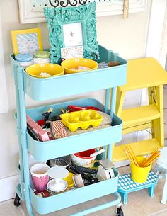 I love IKEA! Their units seem to be asking to hack them, and today I'd like to share some ideas for IKEA Raskog kitchen cart and ways to use it. Ikea Raskog Trolley, Ikea Raskog Cart, Ikea Cart, Mini Loft, Ikea Storage Baskets, Deep Closet, Playroom Organization, Organization Hacks, Office Storage