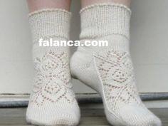 Anlatımlı Örgü Çorap Modelleri içinden sizlerinde yapabileceğiAnlatımlı Örgü Çorap Modelleri ni anlatımlı olarak resimler ile paylaşıyoruz. İster ev içind