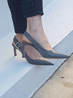 Super stylish slingbacks are back 50 Fashion, Fashion Tips, Slingbacks, Other Woman, That Look, Stylish, Heels, Women, Fashion Hacks