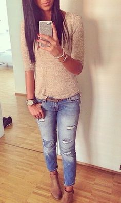 Image via We Heart It https://weheartit.com/entry/147665459 #beige #fall #fashion #jeans #outfit #top #winter