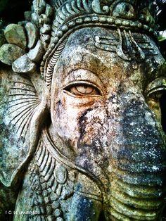 Shri Ganesha! om ganapataye namah!