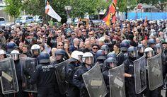 Slovačka policija privela 60 ljudi na rasističkom skupu protiv imigranata | http://www.dnevnihaber.com/2015/06/slovacka-policija-privela-60-ljudi-na-rasistickom-skupu-u-slovackoj.html