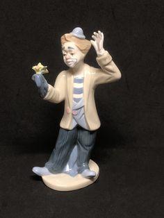 "1993 PS PAUL SEBASTIAN Clown Magician with Flower Fine Porcelain 8"" Figurine Lladro like - Mexico by Anaforia on Etsy Paul Sebastian, Pierrot Clown, Fine Porcelain, Clowns, The Magicians, Ps, Mexico, Ceramics, Vintage"