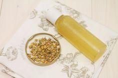 Dvousložková heřmánková voda pro regeneraci - DIFY - do it for yourself! Shaving Cream, Face Wash, Korn, Health And Wellness, Lotion, Homemade, Vegan, Blog, Beauty
