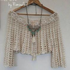 "La imagen puede contener: texto que dice ""FREE SPIRIT by Romina col"" Crochet Motifs, Crochet Cardigan, Crochet Lace, Crochet Patterns, Hippie Crochet, Diy Crafts Crochet, Crochet Summer Tops, Crochet Woman, Beautiful Crochet"