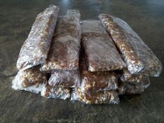 Homemade Larabars: This is fantastic because my gluten free kid LOVES these.
