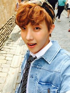 Ah J-Hope you big cutie pie why are you doing this to me? THE COMEBACK TRAILER WAS AMAZING!!! Namjoon oppa, I love it! You made me so happy!! Can't wait for the photos in 2 days!! <3