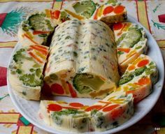 Érdekel a receptje? Amazing Food Decoration, Cold Dishes, Vegetarian Recipes, Healthy Recipes, Party Platters, Fresh Rolls, Carne, Food And Drink, Healthy Eating