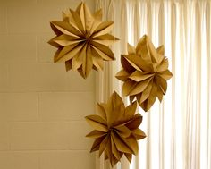 DIY návod na Vánoční hvězdu ze svačinových sáčků