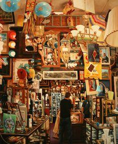 Antique store packed to the brim. My idea of heaven! Vanity Set, Vintage Shops, Retro Vintage, Coca Cola Vintage, Antique Decor, Art Antique, Booth, Antique Stores, Yard Sale