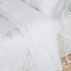 Satin floral-printed bedding with scalloped lace trim sheets - ZARA HOME