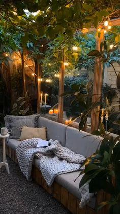 Small Balcony Decor, Small Outdoor Spaces, Balcony Ideas, Modern Balcony, Rooftop Decor, Outdoor Decor, Outdoor Furniture, Furniture Ideas, Small Backyard Patio