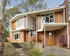 Michele, I feel like you could tear out the built-ins and really make this place shine. | mid century modern house home Australia