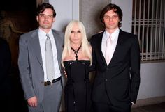 Mode: Varsace and Haas Brothers: Limited Edtion Versace Home, Fashion News, Fashion Outfits, Donatella Versace, Ready To Wear, Brother, Lifestyle, Formal, Collection
