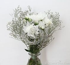 Some beautiful white chrysanthemums in a bouque