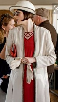 Downton Abbey Season 6 Episode 7 Behind the Scenes.. Michelle Dockery as Mary..