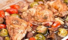 Baked Chicken Thighs in Red Wine with Vegetables - Wishful Chef Wine Recipes, Crockpot Recipes, Chicken Recipes, Cooking Recipes, Healthy Recipes, Chicken Ideas, Sweet Recipes, Yummy Recipes, Red Wine Chicken