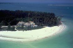 SANIBEL ISLAND, FLORIDA | Charley hit the island causing mandatory evacuation for the island ...