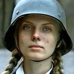Hitler Girl - Nazi Youthg to day in Germany German Women, German Girls, Aryan Race, Ww2 Women, German Soldiers Ww2, Germany Ww2, Ww2 Pictures, Mata Hari, The Blitz