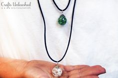 Cracked Marble Necklaces -nice tutorial