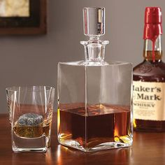 Islay Whisky Decanter and Glasses Set Home Bar Accessories, Make Your Own Wine, Whisky Tasting, Whiskey Decanter, Wine Wednesday, Cool Bars, Wine Making, Decoration, Glasses