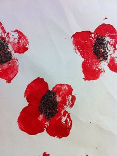 The Learning Curve: Anzac Day Poppy Potato Prints! Craft Activities For Kids, Crafts For Kids, Arts And Crafts, Craft Ideas, Anzac Poppy, Potato Print, Potato Stamp, Remembrance Day Poppy, Anzac Day