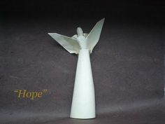 "Let's fold an origami angel ""hope"" (by Alexander Kurth) wet folding Tutorial Cute Origami, Oragami, Origami Paper, Christmas Fayre Ideas, Diy Christmas Ornaments, Diy Angels, Origami Christmas, Origami Videos, Quilling"