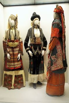 Greek bridal costumes:  Visiting the Benaki Museum in Athens