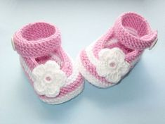 Hand knitted baby booties/shoe Mary Janes, Ballerinas, Baby Ballerina, Knit Baby Booties, Baby Knitting, Knitted Baby, Baby Shoes, Crochet, Kids