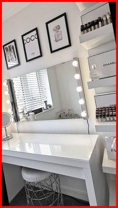 Vanity Makeup Rooms, Makeup Room Decor, Room Ideas Bedroom, Bedroom Decor, Cute Room Decor, Beauty Room, Black Decor, My New Room, Room Inspiration