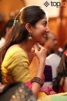 Actress Sai Pallavi Photos Beautiful Girl Indian, Beautiful Indian Actress, Sai Pallavi Hd Images, Indian Heroine Photo, Heroine Photos, Cute Photography, Malayalam Actress, Cute Actors, Beauty Women