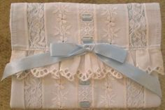 A beautiful pillow case Sewing Tutorials, Sewing Projects, Dress Tutorials, Sewing Tips, Dress Sewing Patterns, Skirt Patterns, Coat Patterns, Blouse Patterns, Lace Beadwork