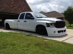 slammed dodge ram dually | Slammed Dodge