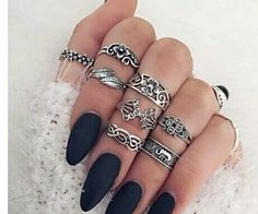 30 Gorgeous Nails Ideas you have to try-Looking for some cool nail polish ideas? Check out these 30 awesome manicure and get inspired! Matte Nails, Black Nails, Glitter Nails, Acrylic Nails, Matte Black, Black Glitter, Blue Nail, Green Nails, Black Onyx