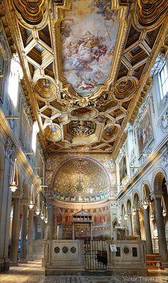Basilica di San Clemente al Laterano, Rome, Italy. https://victortravelblog.com/2013/08/19/song-about-rome/