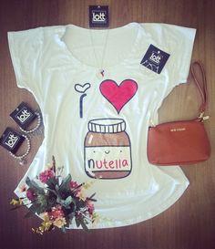 Como não amar nutella no café ☕ da manhã e no look   Snap  LOJASLOTT Disponível na loja física ou pelo whatsaap (18) 99610-3513. Acesse nosso site www.lottstore.com.br  #nutella #ilovenutella #tshirt #bolsa #brinco #modafeminina #acessorios #acessories #bag #bolsa #fashion #moda #iloveit #inspired #look #inspired #lottstore