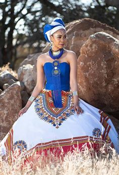 African Attire, African Fashion Dresses, African Dress, Wedding Dresses South Africa, African Traditional Wedding Dress, Traditional Weddings, Traditional Outfits, Winter Fashion Outfits, Fashion Cape