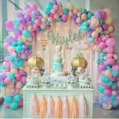 Unicorn Birthday Party Ideas for your Daughter A Magical Unicorn Birthday Party Theme Ideas You probably thought you& seen the cutest birthday party themes for kids, but then think again. It& not about sharp colors anymore, this party theme focuses more& Mermaid Birthday, Unicorn Birthday Parties, First Birthday Parties, First Birthdays, 5th Birthday, Deco Ballon, Kids Party Themes, Party Ideas, Theme Ideas