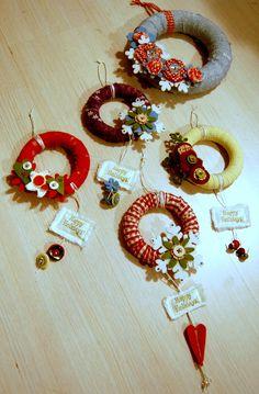 wrap shower curtain rings in fabric for mini wreaths, Cuteness! Ornament Crafts, Xmas Ornaments, Holiday Crafts, Curtain Rings Crafts, Curtains With Rings, Mery Chrismas, Handmade Christmas Decorations, 242, Xmas Wreaths