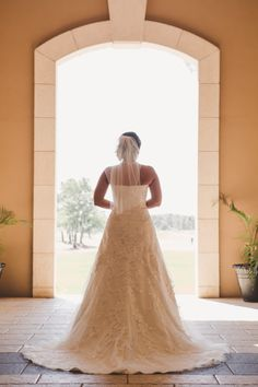 falcon's fire bride photo | Plan It Event Design & Management | Orlando Wedding Planner | Photo by Anna So Photography