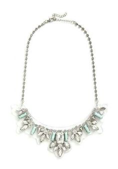 Love this necklace!! But idk if I could ever pull it off :)